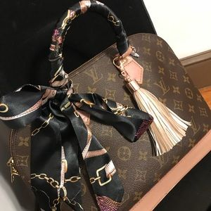 Black purse Scarf Twillys